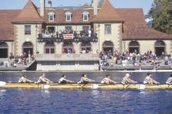 Ruderer, die Ratcliff-Boots-Haus, Charles Regatta, Cambridge, Massachusetts führen stockfotografie