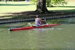 Rudern auf Bedford-Fluss. Stockfotos