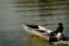 Rudern des Stützbootes lizenzfreie stockfotos