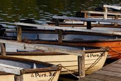 Rudersportboote beim Schlachtensee stockfotos