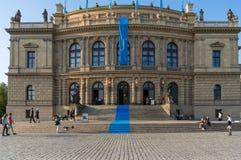 Rudolfinum-Konzertsaal-Gebäudeäußeres Prag, Tscheche Republi lizenzfreie stockfotografie