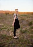 Rudzielec dziewczyna w polu Zdjęcie Stock