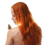 Rudzielec dziewczyna z motylem Obraz Stock