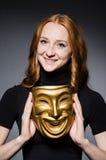 Rudzielec kobiety iwith maska Fotografia Stock