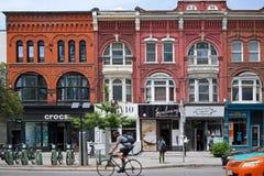 Rue à la mode de la Reine, Toronto Images stock