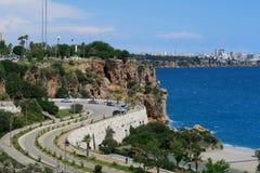 Rue à la plage de Konyaalti à Antalya, Turquie Photos libres de droits