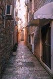 Rue étroite de la vieille ville Photographie stock