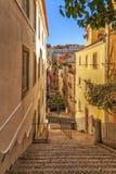 Rue étroite de Lisbonne photos stock