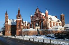 Rue Anne et église de Bernardinu à Vilnius Photographie stock libre de droits