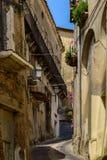 Rue antique d'Altomonte, Italie Image stock