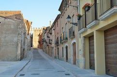 Rue antique de la ville espagnole Montblanc Photo stock