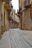Rue antique de la ville espagnole Montblanc Images stock