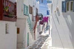 Rue arrière de ville de Mykonos Images libres de droits