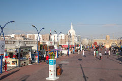 Rue au village global à Dubaï Photo stock