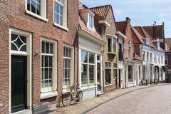 Rue avec des maisons à Amersfoort, Pays-Bas Photos libres de droits