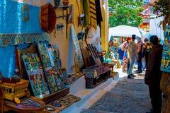 Rue bleue et blanche dans le DES Oudaias de Kasbah ? Rabat Maroc photos libres de droits