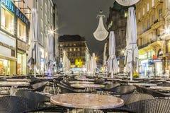Rue célèbre de Graben la nuit avec la réflexion de pluie sur le pavé Photo libre de droits