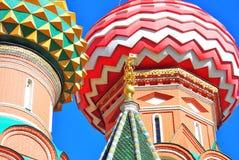 Rue Cathédrale de basilic, grand dos rouge, Moscou, Russie Image stock