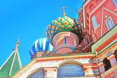 Rue Cathédrale de basilic, grand dos rouge, Moscou, Russie Photographie stock
