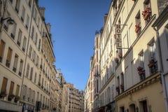 Rue Cler grannskap, Paris, Frankrike Royaltyfri Fotografi