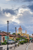 Rue colorée à Grenade Photos libres de droits