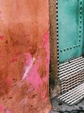 RUE COLORÉE À MARRAKECH, MORROCO photo libre de droits