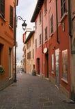 Rue colorée en Italie Photographie stock libre de droits
