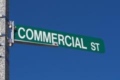 Rue commerciale de signe nommé de rue Photo stock