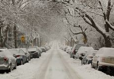 Rue complètement de neige Images libres de droits