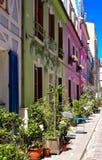 Rue Cremieux i den 12th arrondissementen är en av de mest nätta bostads- gatorna i Paris Royaltyfri Foto