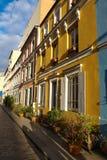 Rue Cremieux i den 12th arrondissementen är en av de mest nätta bostads- gatorna i Paris Fotografering för Bildbyråer
