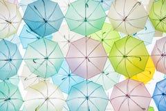 Rue décorée des parapluies colorés, Bangkok, Thaïlande vin Photographie stock libre de droits