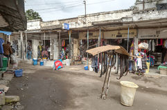 Rue d'achats à Arusha Photos stock