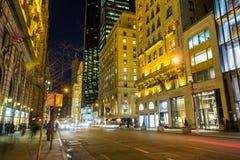 Rue d'achats à la 5ème avenue Photo stock
