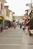 Rue d'achats dans Lefkas, Grèce Images libres de droits