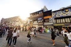 Rue d'achats de Hongdae : Corée Photos libres de droits
