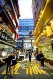 Rue d'achats de Myeong Dong : Corée Image stock