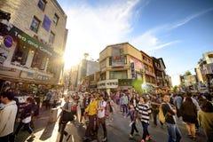 Rue d'achats d'Insadong : Corée Photo stock
