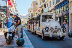 Rue D Antibes i Cannes, södra Frankrike Arkivfoto