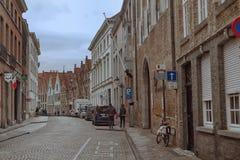 Rue d'automne à Bruges image stock