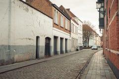 Rue d'automne à Bruges, Belgique Photo libre de droits