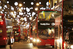 2013, rue d'Oxford avec la décoration de Noël Photos libres de droits