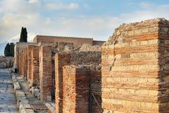 Rue dans des ruines de Pompéi, Italie photographie stock libre de droits