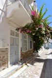 Rue dans Ermoupoli Syros, Grèce images libres de droits