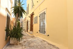 Rue dans Ermoupoli Syros, Grèce photos stock