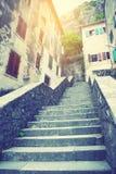 Rue dans la vieille ville de Kotor Photos libres de droits