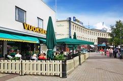 Rue dans la ville d'Imatra finland photos stock