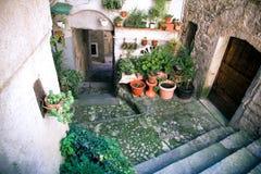 Rue dans la ville médiévale, Italie Image libre de droits