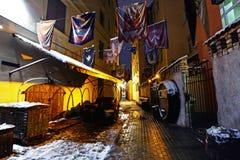 Rue dans le style gothique à vieux Riga, Lettonie Images stock