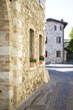 Rue dans le vieux village italien Photos libres de droits